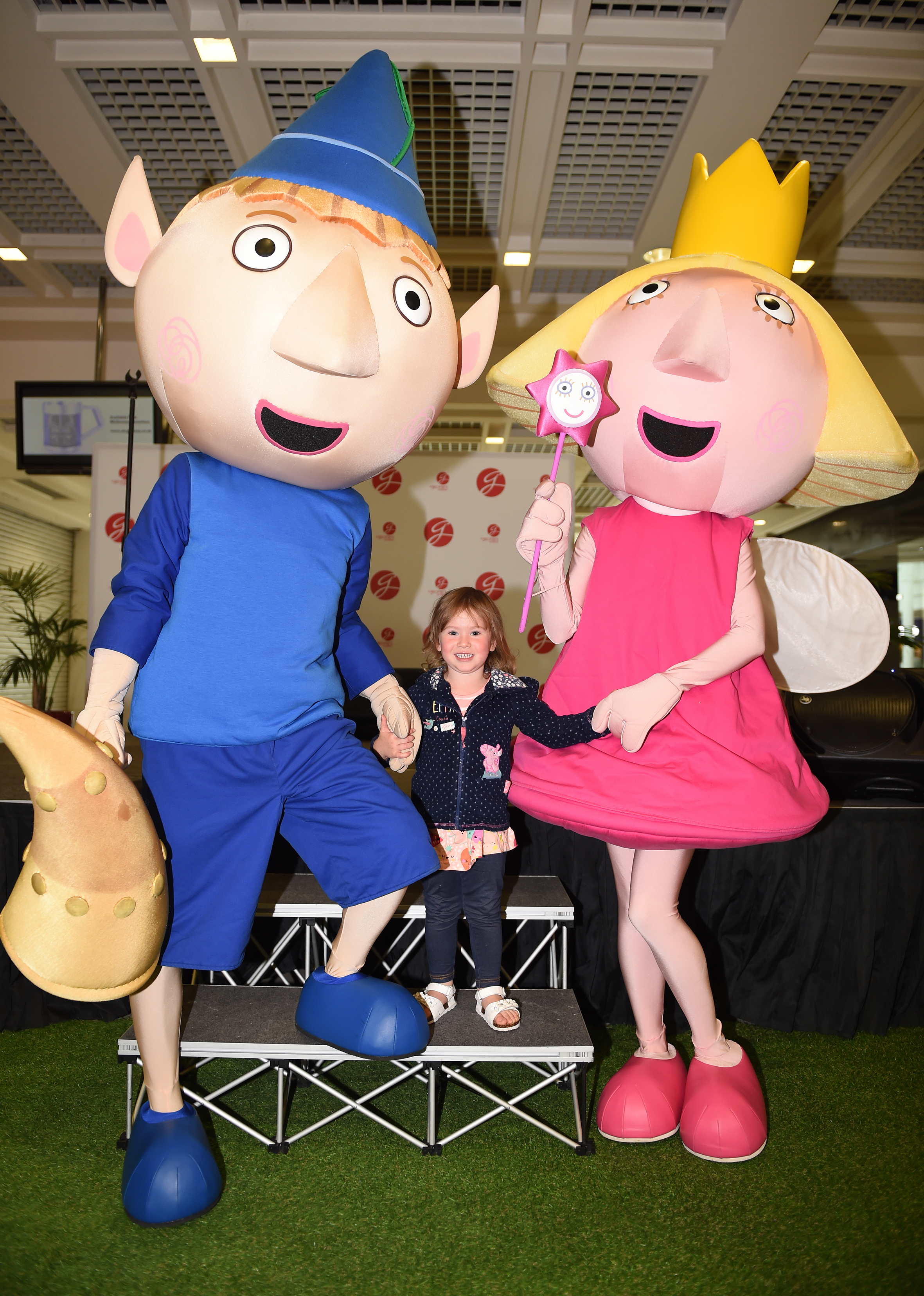 Eleanor Satloka aged 2 meets Ben and Holly.