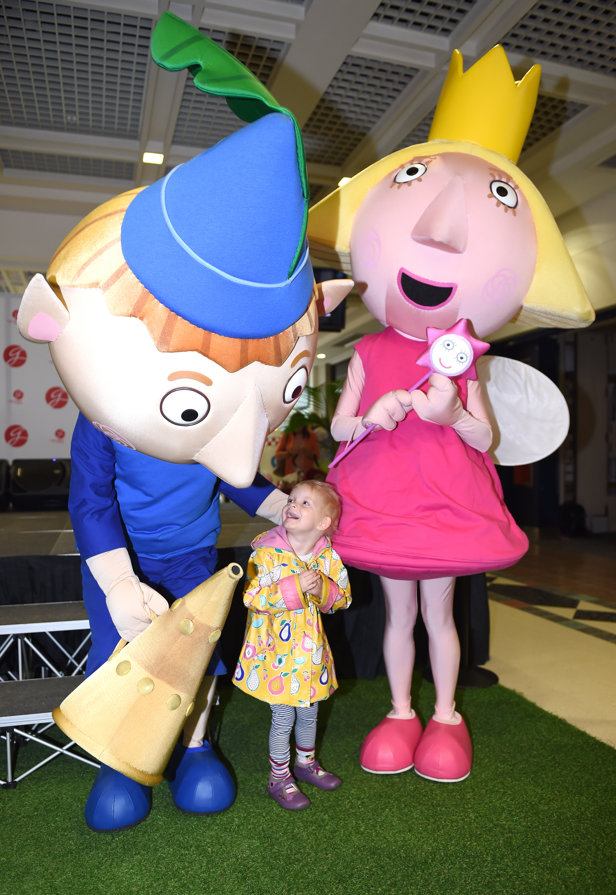Phoebe McCann aged 3 meets Ben and Holly.